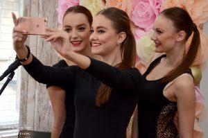 Csajos-Selfie-Miss-Lulli-Decor