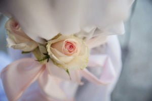 Virágdekoráció rózsa függöny esküvődekoráció- MISS LULLI Decor