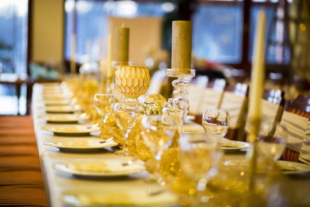 Vendégasztal dekoráció- karácsonyi csillogás- céges rendezvény- MISS LULLI Decor