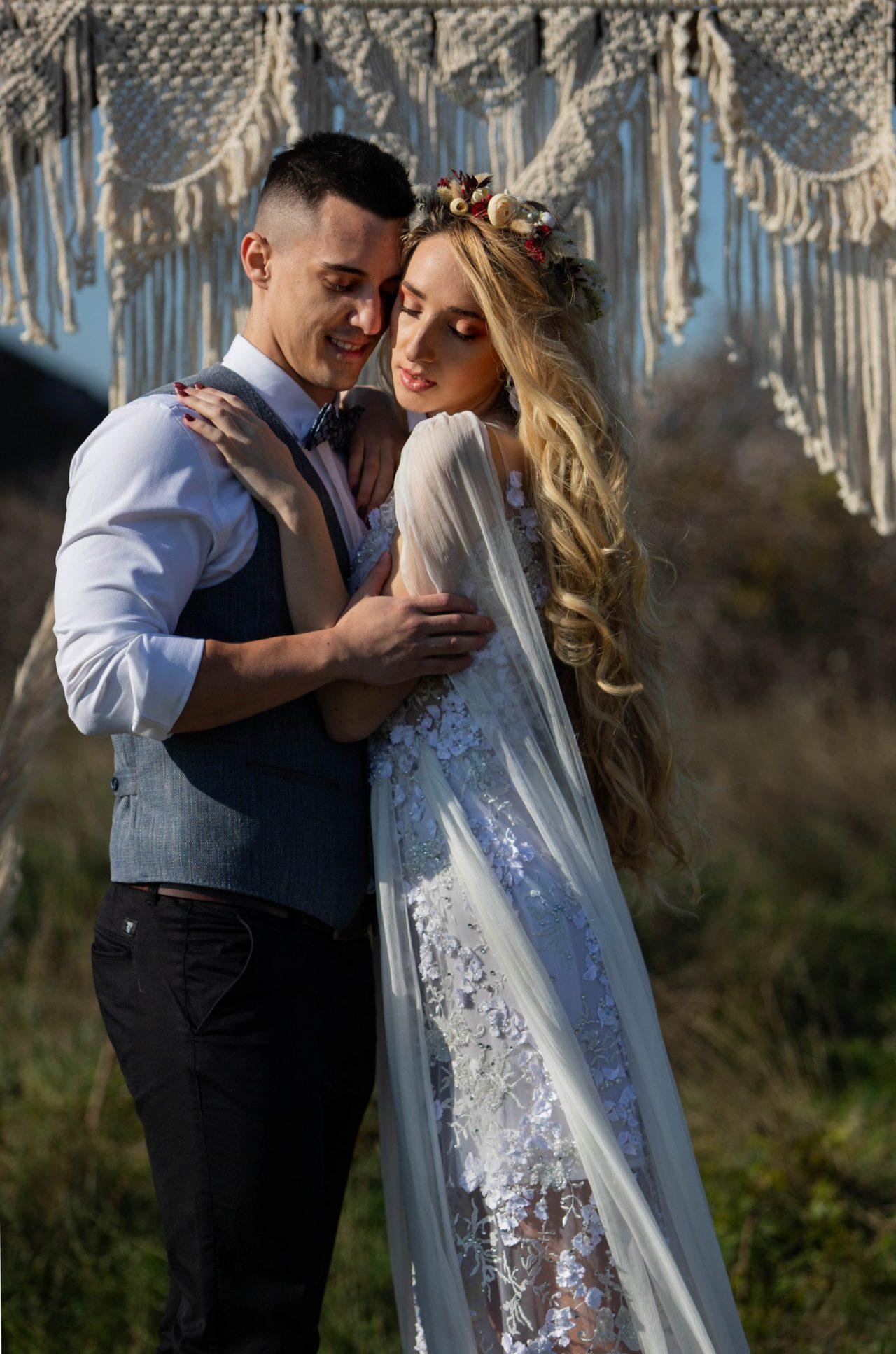 Boldogságkapu- esküvődekor-bérelhető-makramé-MISS LULLI Decor
