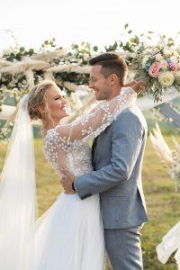Boldogságkapu esküvődekor natúr pampafű- MISS LULLI Decor