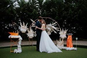 Golfpálya esküvő bérelhető boldogságkapu szertartás-MISS LULLI Decor